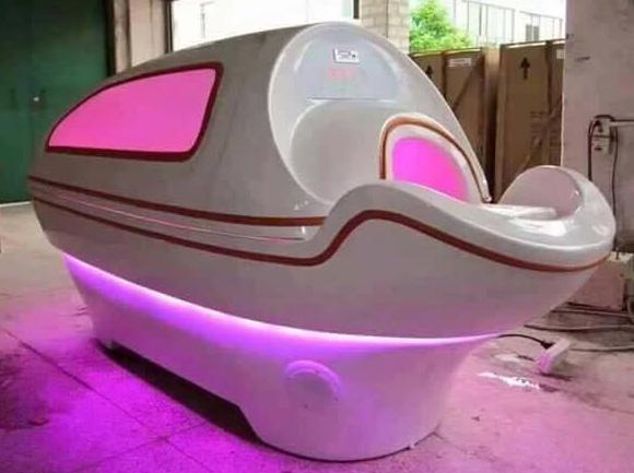 phi thuyền tắm trắng